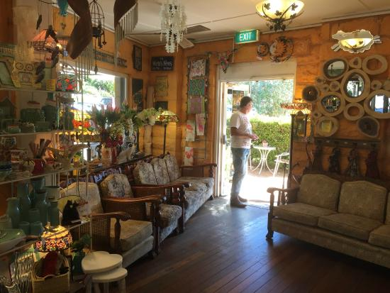 Avoca Beach Picture Theatre: Arty, Crafty Inside