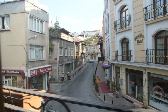 Sirma Sultan Hotel Istanbul: Вид из номера днем