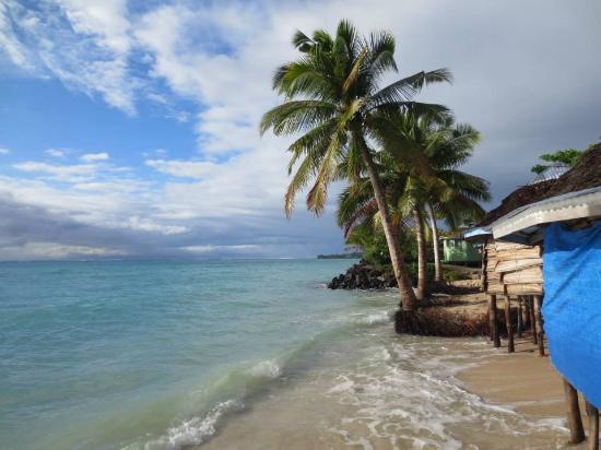 Joelan Beach Fales: Fales by the ocean