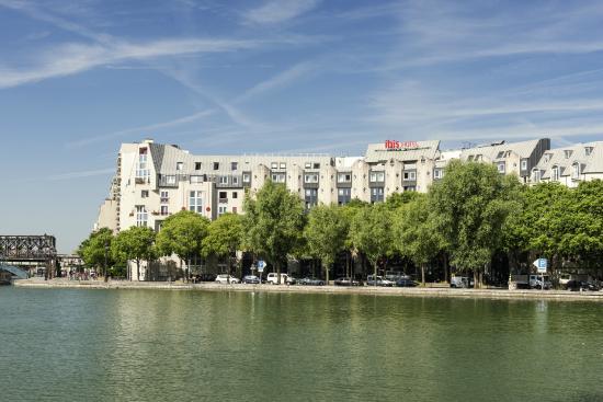 Ibis Paris La Villette Cité des Sciences 19eme : Vue générale facade hôtel