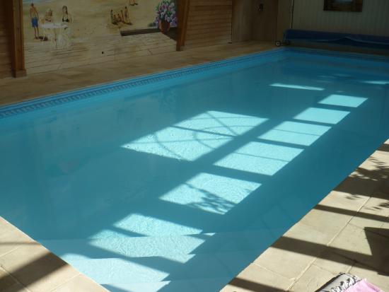Neville, Francia: piscine