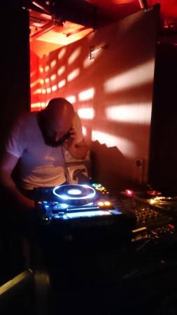 Hamburg, AR: DJ-Set auf der gemischten Toilette