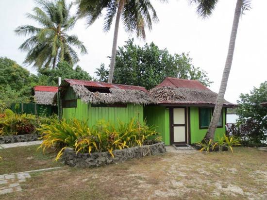 Va-i-Moana Seaside Lodge: sunset fale (w ensuite)