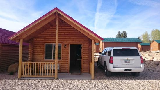 Beau Bryce Canyon Log Cabins: Casetta