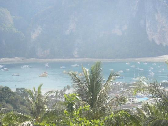 Phi Phi Villa Resort : View from the top of the hill