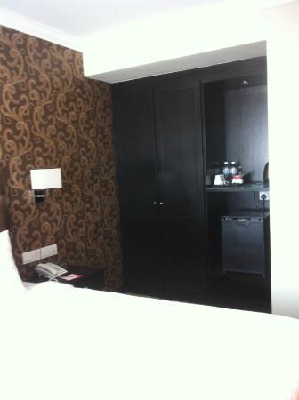 Merchant Hotel: ห้องกว้างขวางและเตียงใหญ่ดี