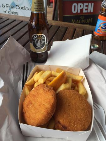 World Famous Fish N Chips Huskisson: Fish cake and chips