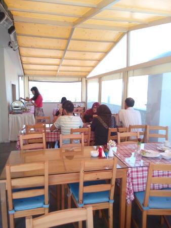 Sultanahmet Suite Life Hotel: Завтрак на террасе