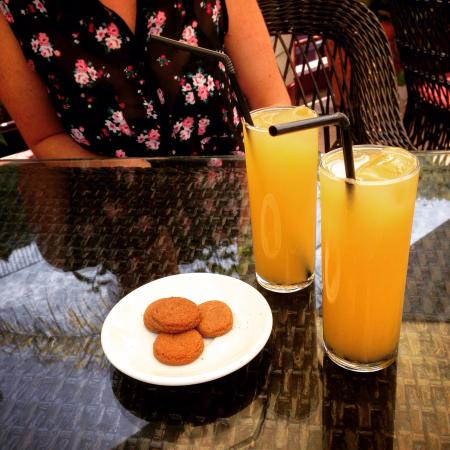 Cafe dos Macarones: Poncha fruit de la Passion!