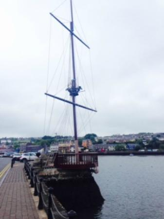 Kinsale Harbour Cruises : view from the pier