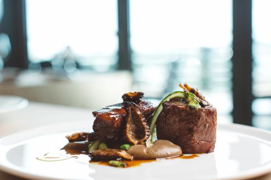 Sirocco: Fillet of Jersey beef, morels, asparagus, beef cheek