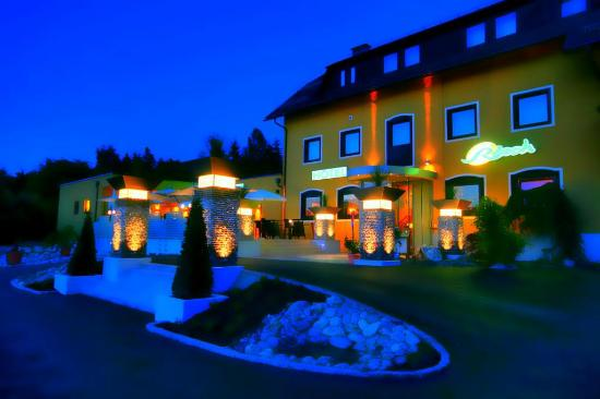 Photo of Hotel Rösch Klagenfurt