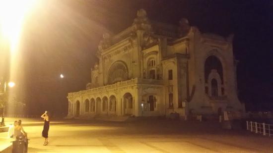 Constanta Beach: Old casino