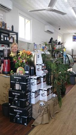 Lowood, Australia: Kathy will serve you with her beautiful smile