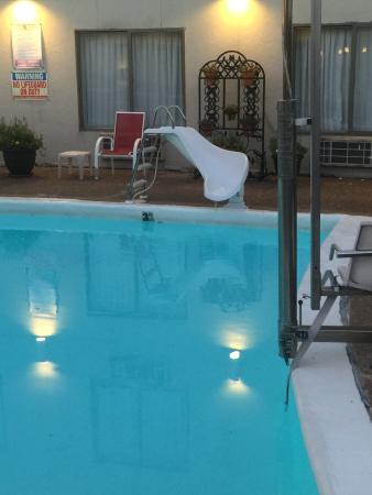 Lamplighter Inn & Suites South: photo2.jpg