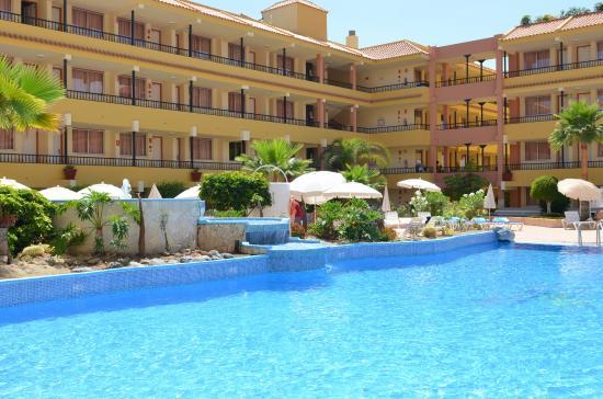 Jard n caleta pool picture of hovima jardin caleta la for Aparthotel jardin caleta costa adeje