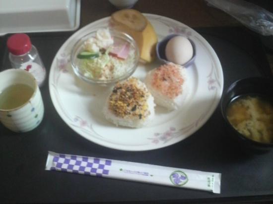 Business Hotel BM : 部屋まで運んできてくれた朝食