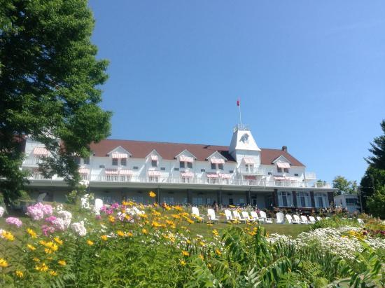 Windermere House Resort & Hotel: Million dollar location.