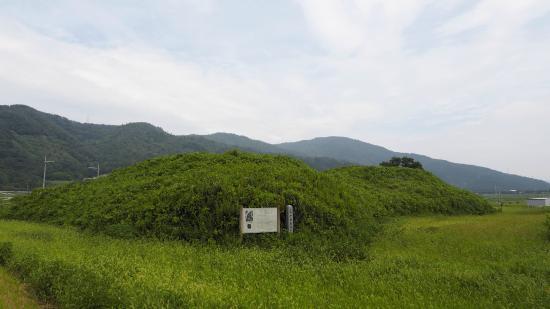 Chitose Kurumazuka Tombs