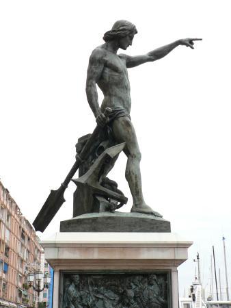 Statue du Genie de la Navigation