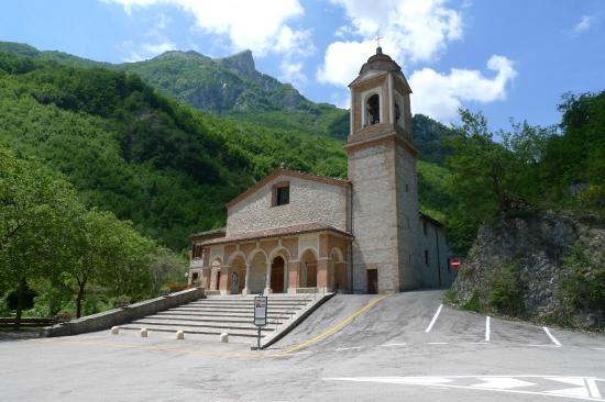 Montefortino, อิตาลี: Santuario Madonna dell'Ambro