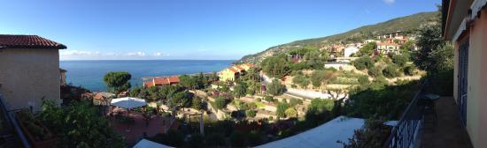 B&B La Mimosa del Golfo: Stunning view from the terrace