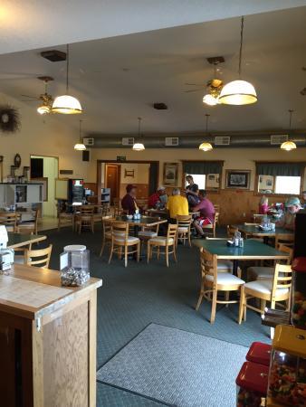 Backus, MN: Corner Store Restaurant