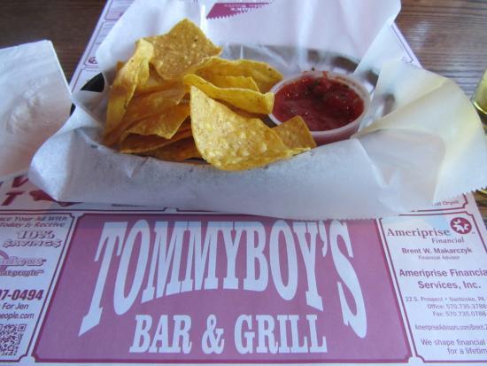 Nanticoke, Pensylwania: Tommy Boys corn chips and marinara