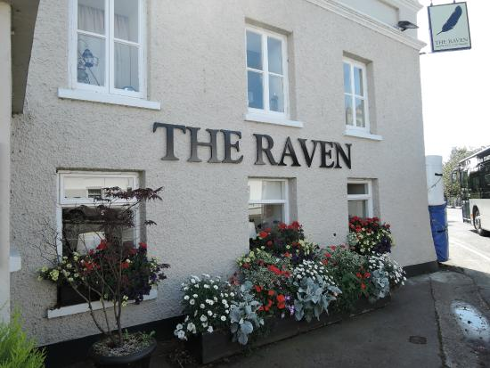 The Raven Pub: outside of the restaurant