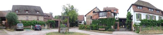 Le Clos Saint Léonard : De binnenplaats