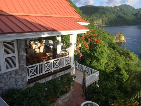 Le Gallerie: Balcony looking out towards the Pitons