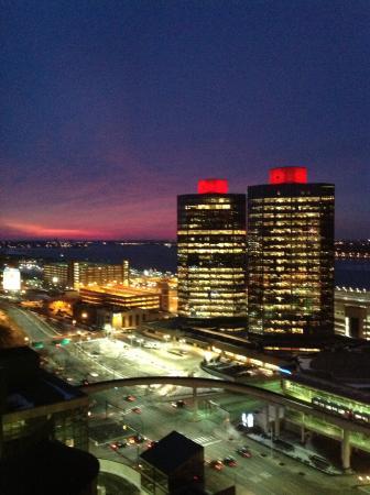 Courtyard Detroit Downtown : Vista da hotel (altro lato)