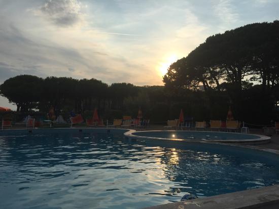 Park Hotel Bertha : Piscina al tramonto