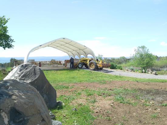 Hotchkiss, Kolorado: Yvon hard at work