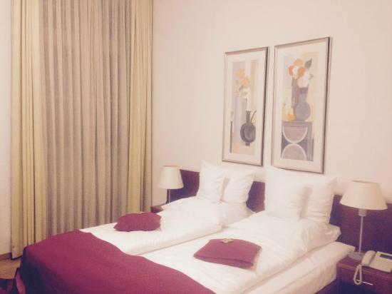 Collegium Leoninum Hotel : 침대