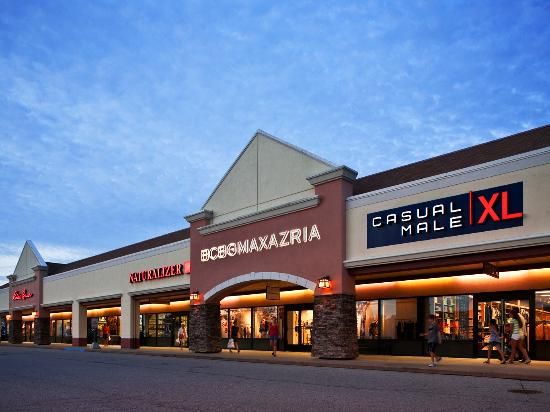 Shop The Midwest's Largest Outlet Mall - Birch Run Premium Outlets