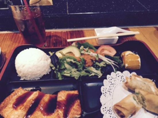 Kaizen Fusion Roll & Sushi: Meu prato, Salmon Teri - completíssimo!