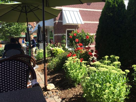 Downtown Cafe: Beautiful summer morning sipping European coffee outdoors in a slice of heaven