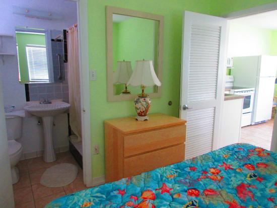 Beach Haven: Bedroom in One bedroom apartment