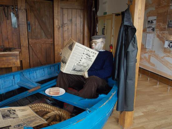 The Yorkshire Waterways Museum: Don't sit for too long!