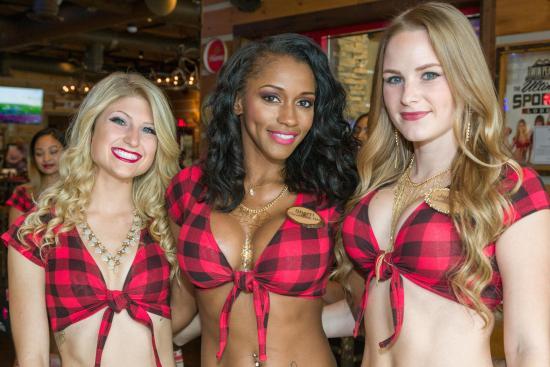 twin peaks restaurants twin peaks girls