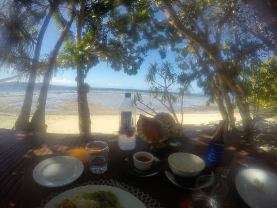 Vanua Levu, Fiji: Lunch on the house beach