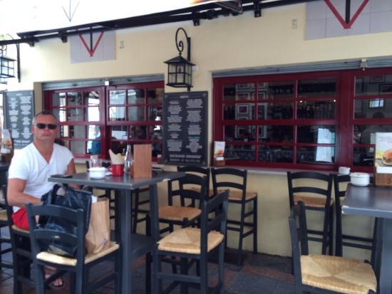 Restaurante taberna casa del volapie en fuengirola con - Cocinas fuengirola ...