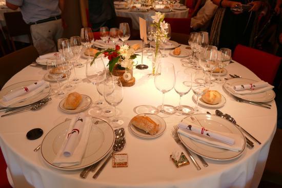 Echaurren Hotel Gastronómico : The table setting. at Echaurren hotel gatronómico for the afternoon wedding reception.