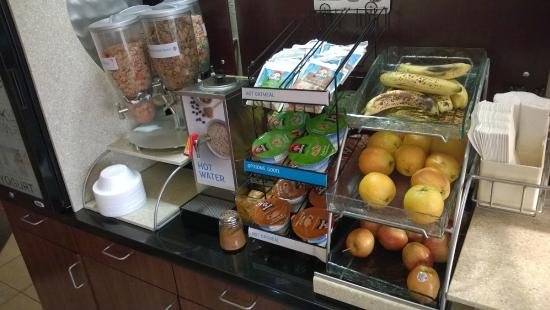Holiday Inn Express & Suites Enid: Breakfast