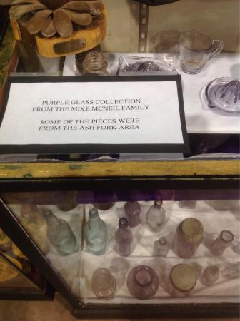 Ash Fork Historical Society Museum: Purple Glass exhibit