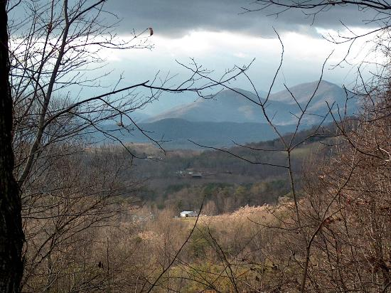 Fortune's Cove Preserve: Mountain view near dusk
