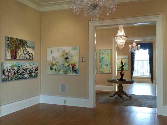 Graham, Северная Каролина: Almost year round exhibits of local and international artists.Paintings by Sherry McAdams