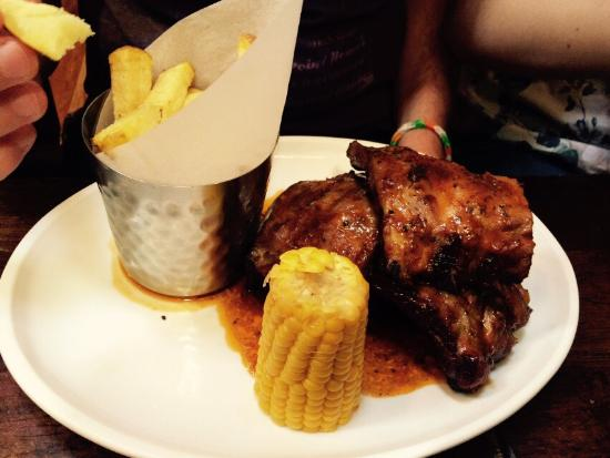 Merrys Gastro Pub : Stopped off for lunch today after having a good look around. Thoroughly recommend ribs and the p