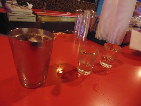 Seaside Heights, Nueva Jersey: Shaker of shots al bancone